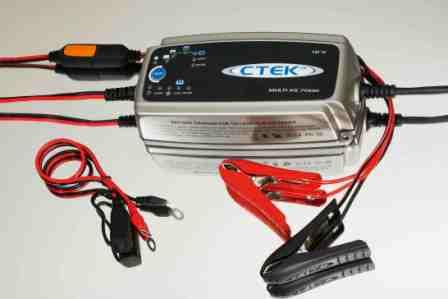 Зарядное устройство для аккумуляторов мотоциклов и скутеров