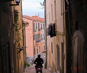 В Италии запретили скутеры Vespa